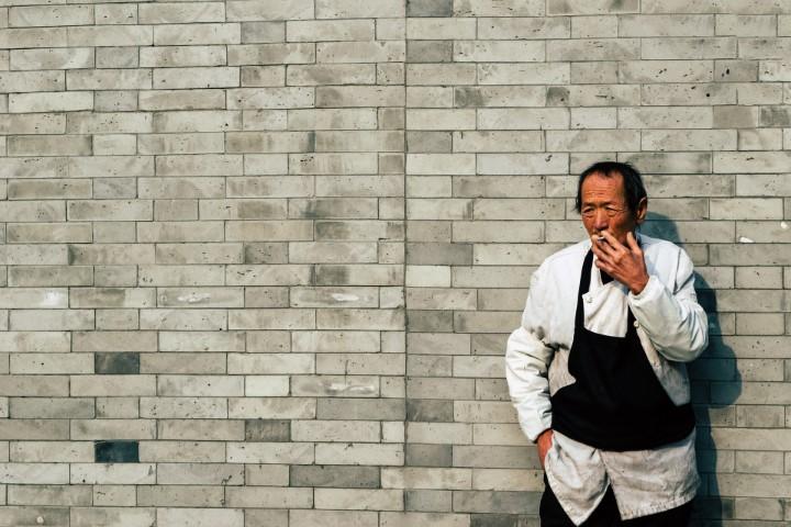 Devrait-on décompter les pauses cigarette du temps de travail ?